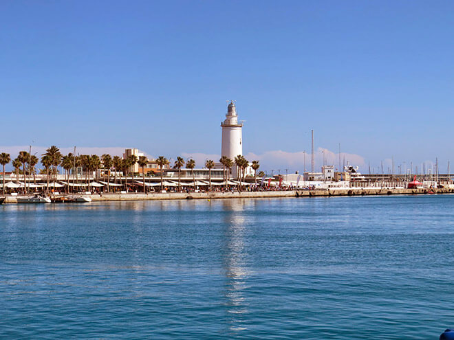 La Farola de Málaga и La Farola del Mar